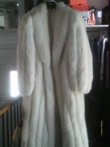 Stunning/Impeccable and Classic Full Length White Fox Fur Coat