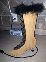 Tres chic boot lamp!