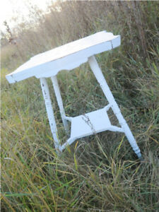 Lovely Shabby Chic Parlor Table