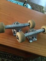 Independent Trucks(with wheels and bearings)