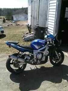 02 r6 needs fairing kit ,tires and carbs done trade for dirtbike