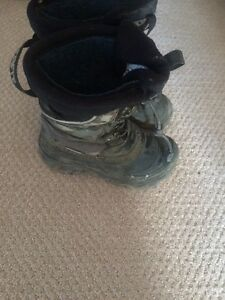 Kids winter boots size(13)