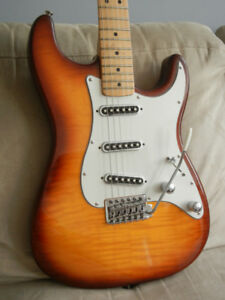 Fender MIM Special Edition Stratocaster Electric Guitar w/case
