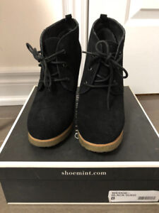 Shoemint Black Suede Wedge Ankle Boots - Women's 8