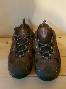 Columbia  Hiking Shoes  - size 8.5 $25