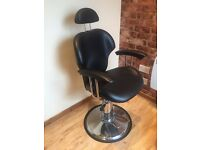 Barbers chair (black)