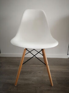 White Eiffel dining chair (set of 4)