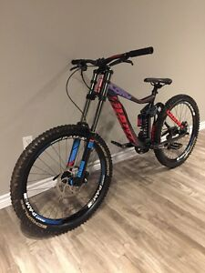 2014 Giant Glory 2 Downhill Full Suspension Bike