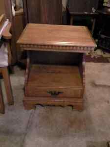 7 bedside stands  your choice $25. each Sarnia Sarnia Area image 2