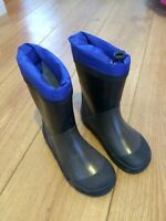 Rubber boots size 10