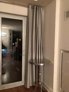 4 CURTAIN PANELS