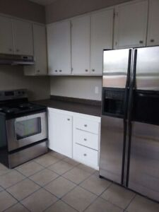 LARGE 3 BEDROOM APARTMENT $ 1400.00