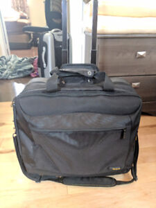 TARGUS Sac d'ordinateur sur roulettes / Laptop bag on wheels-NEW