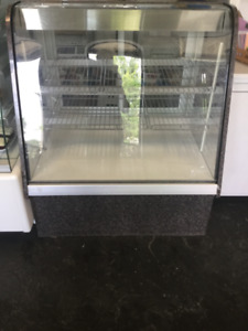 3 Foot Bakery Dry Case