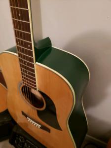 Vieille Guitar Aria a Echanger contre une Guitar ( Trade)