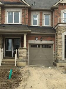Brand new Spacious 3 bed 2.5 bath available for rent