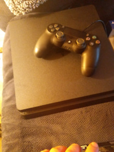 Ps4 Slim 1TB with accessories