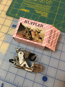 Sewing machine ruffler foot