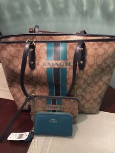 Brand new with tags authentic COACH 3 piece set!!