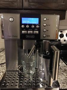 Espresso machine. GRAN DAMA DIGITAL SUPER AUTOMATIC ESAM 6620 West Island Greater Montréal image 2