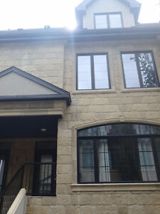 Stunning, Furnished - Executive Townhouse in Crestwood