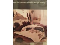 Gaveno Cavailaa Kind size duvet cover and pillow cases