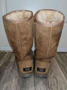 Uggs: Classic II Tall Boots (size 7, but fits size 8 feet)