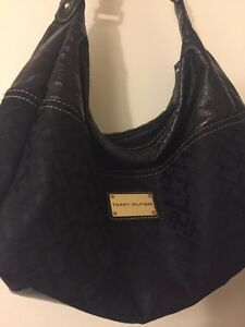 Small Black Tommy Hilfiger Purse Cambridge Kitchener Area image 2