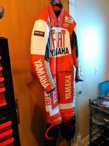 YAMAHA ONE PIECE RACING SUIT SIZE 44 IT WILL FIT  5.6FEET 185LBS