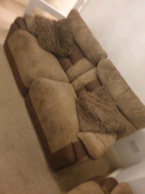 Beautiful reclining sofa set 3 seater x 2 in excellent condition.