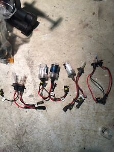 Assorted HID bulbs 20 per pair