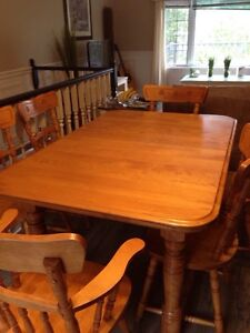 Solid maple table with leaf and 6 chairs