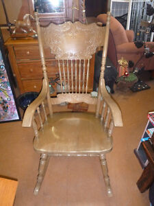 Chairs, single and sets available Comox / Courtenay / Cumberland Comox Valley Area image 9