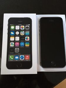 iPhone 5s 16 gb Rogers! Mint condition
