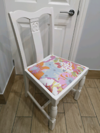 BEAUTIFUL SHABBY CHIC FLORAL CHAIR