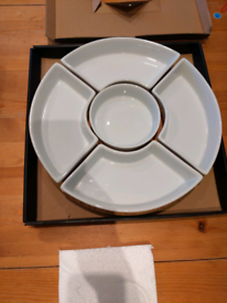 Dip rotating serving tray