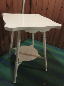 WHITE PAINTED VICTORIAN TABLE GREAT CONDITION 21 inch long by 21