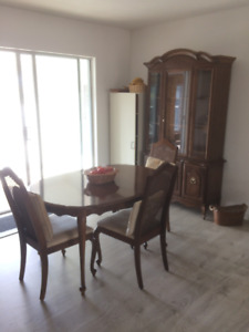 Dinning Room Table w/chairs & China Cabinet - EXC. CONDITION
