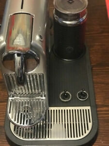 NESRPRESSO  Machine with Milk Frother  in Silver
