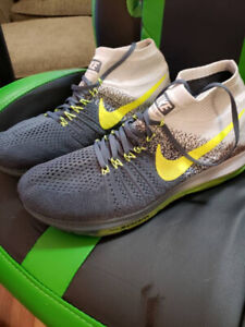 Nike Air Max Fly Knit Size 13