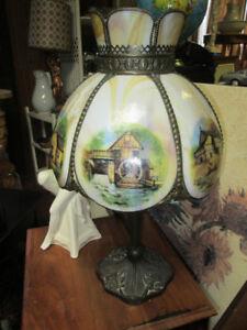 Tres belle lampe style antique ou vintage