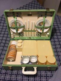 Vintage Brexton 4 place travel picnic case