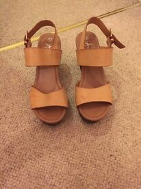 Brown Heeled Sandals Size 6