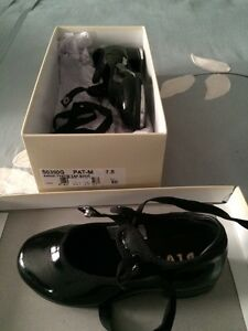 Bloch tap shoes - kids size 7.5