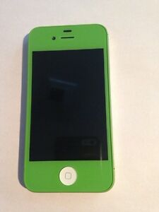 iPhone 4s  refurbished 10/10  locked to Rogers