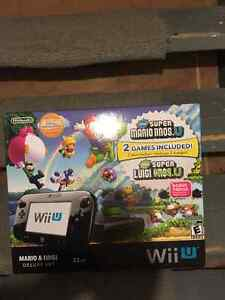 WiiU console combo pack (32GB, two games)