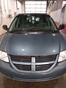 2006 Dodge Grand Caravan (stow n go)