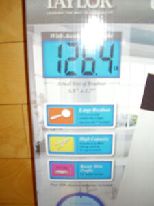 """TAYLOR Electronic Scale with Accu-Glo Backlight - Only .5"""" Thick Kitchener / Waterloo Kitchener Area image 7"""