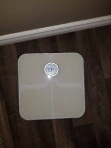 Fitbit Charge 2 + Fitbit Aria Scale