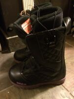 Woman's snowboard boots size 6